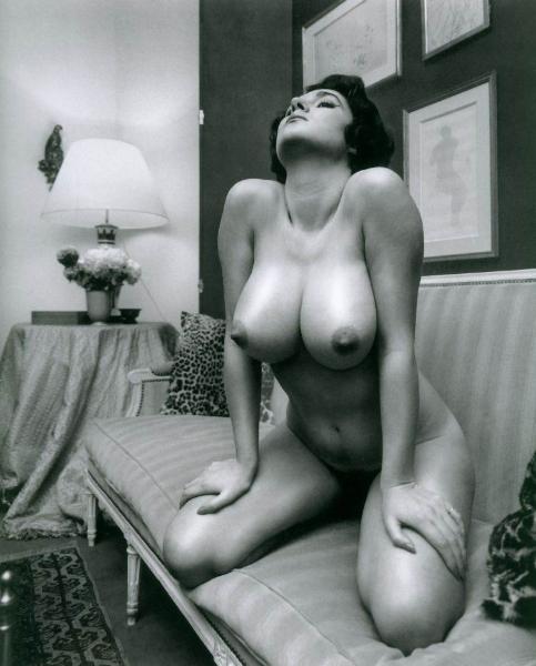 ретро порно фото большая грудь