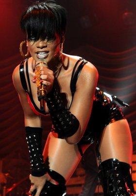 Rihanna-039-s-Racy-Dominatrix-Outfits-Take-The-Stand-3